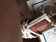 Ich ficke splitternackt die Sandaletten meiner Kollegin