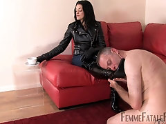The Hunteress wants to experience spanking for the best pleasure