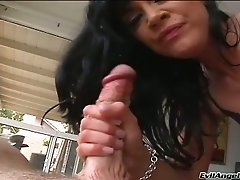 Brunette with long lashes provides her man with yum-yum blowjob