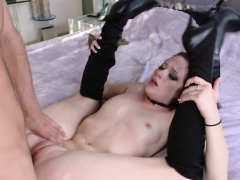 Riley Renee rewards a nice stranger with a blowjob