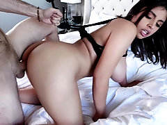 Ella Knox loves it rough and she loves it endlessly