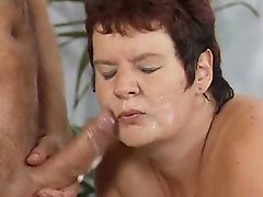 Poking of a grannies old pussy after a relaxing massage