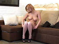 Sexy housewife in corset Ksukotzol is toying her pussy which id out of control