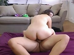 Curvaceous cutie with wonderful curly hair gets fucked