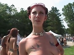 Babes outside with tattoos and nice tits in sexy lesbian outing