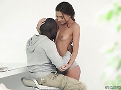 Muscular ebony lover provides sexy Alexis Brill with a large dong
