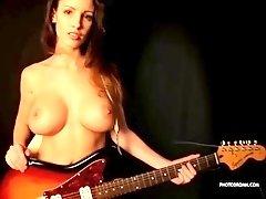 lucia javorcekova - air guitar 4
