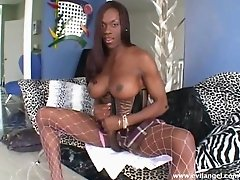 Seductive Black Trans Beauty Shares A Hardcore Masturbation