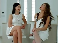 Sarah Sultry and Tindra Frost talk about lesbian sex backstage