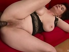 Babe with massive tits Janicka washing her milf body sexily