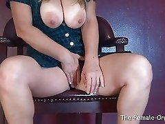 Horny MILF Buzzes Meaty Creamy Pussy to Pulsing O