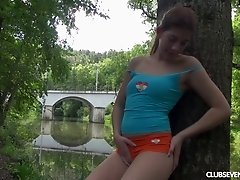 Sporty teen takes a break from hiking to pleasure her vagina