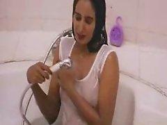 Indian beautiful actress bathing in softcore mallu movieo