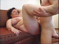 Large Mom IV