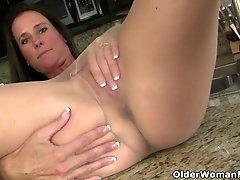 American MILF sofie spreads her legs nyloned